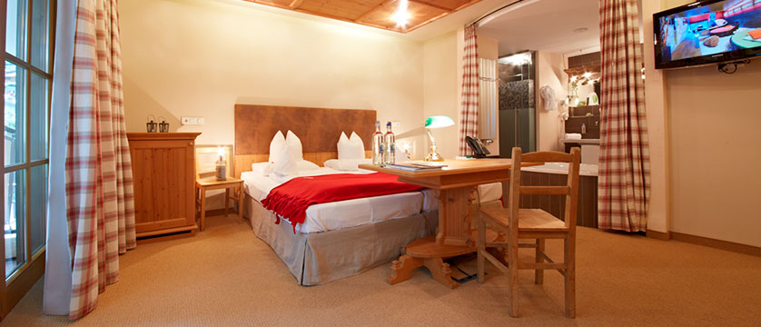 Hotel Alpine Palace, Hinterglemm, Austria - Bedroom interior.jpg